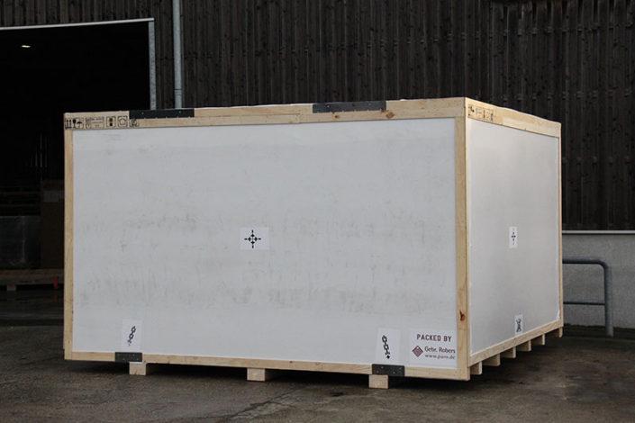 Sonderverpackung_Kiste-mit-Folie